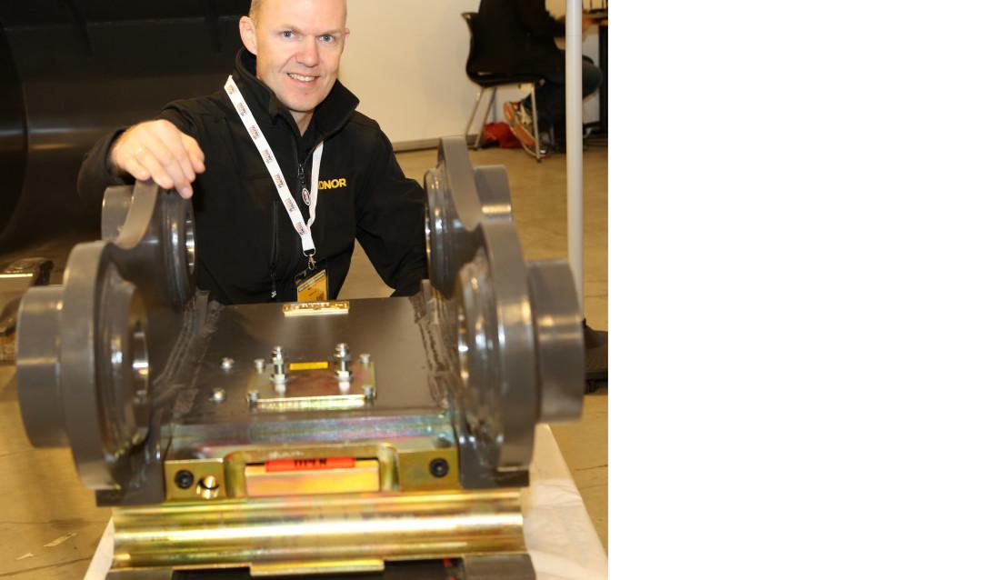 SELVUTVIKLET: Bjørn Eldøy bak sitt eget patent, SMP HardLock.