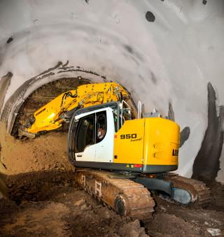 Liebherr R950 Tunnel