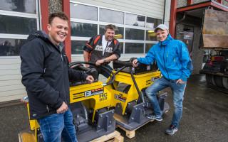 Driftsleder og deleier John Olaf Bolme i BL Entreprenør AS er fornøyd med jobben Enoch By og Jon Martin Støver-Hofstad har gjort. Flere vibroplater er på vei.