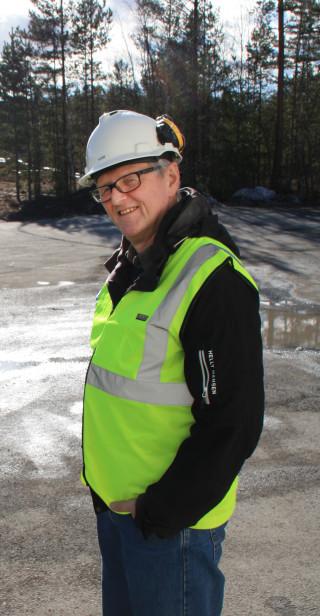 PRIMUS MOTOR Foreleser og koordinator for drifts- og mellomlederskolen, Tore Veløy, håper flere MEF-bedrifter kjenner sin besøkelsestid og melder seg på. (Foto: Sverre Huse-Fagerlie).