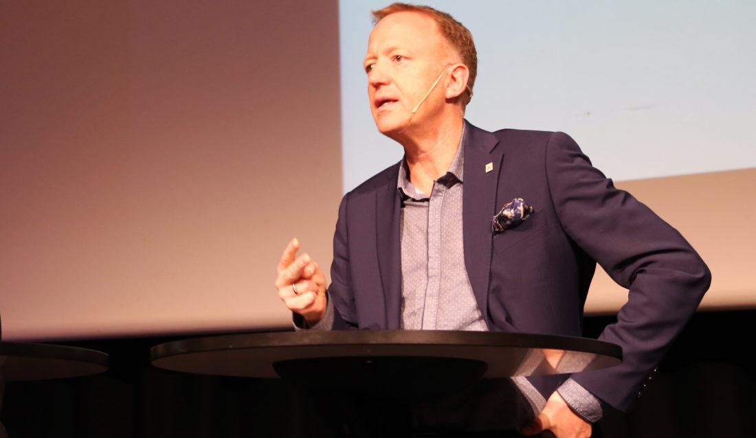 Harald V. Nikolaisen, adm. dir. i Statsbygg og leder av Charteret for en skadefri bygge- og anleggsnæring. Her fra HMS-konferansen 2015. (Foto: Runar F. Daler).