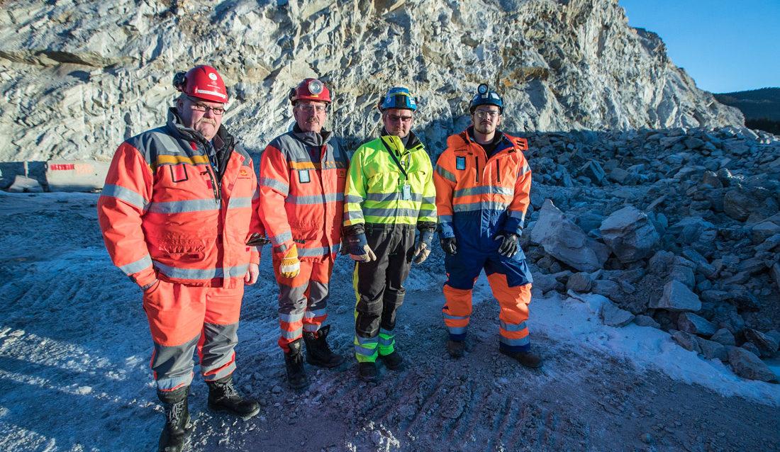 F.v. Oddvar Pedersen i Statens vegvesen, Stein Ulvesveen i Statens vegvesen, Kenneth Svendsen i Vestfold Fjellboring AS og Eivind Strand i Skanska