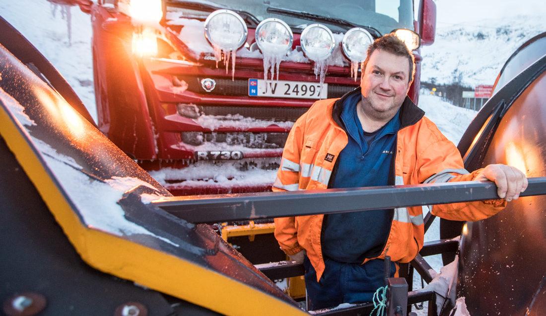 Tor Einar Skjolden, en av fire faste sjåfører på O. Hæreid AS sin Scania R730 4x4+2