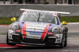 Fra et supercup-løp i Barcelona i 2015, hvor Roar kjører en Porsche 991 (911 GT3) med 3,8-liters motor og 460 hk. (Foto: Alexis Goure).
