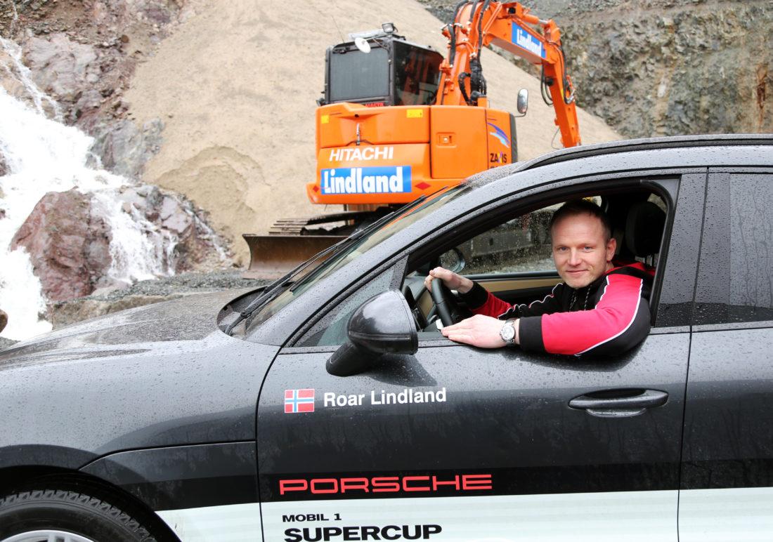Hjemme i Lyngdal, hvor han driver Lindland Maskin sammen med sine to brødre. Også privat kjører han en Porsche; dette er en Porsche Macan S diesel, 258 hk, 3,0 l V6. (Foto: Runar F. Daler).