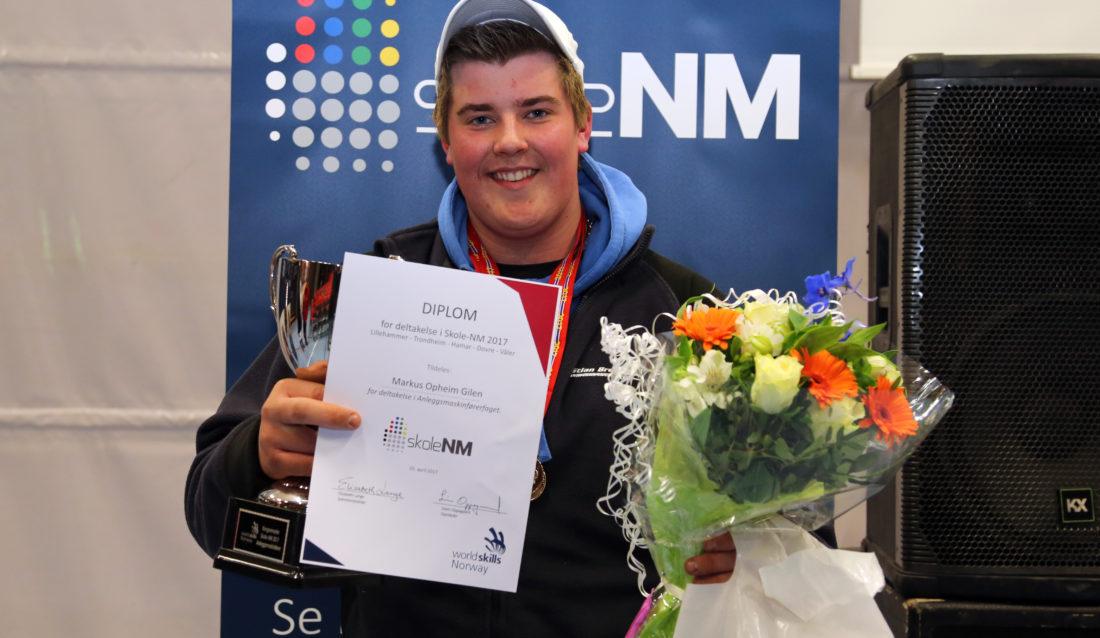 Markus Opheim Gilen vant tidenes første skole-NM i anleggsmaskinkjøring. (Foto: Runar F. Daler).