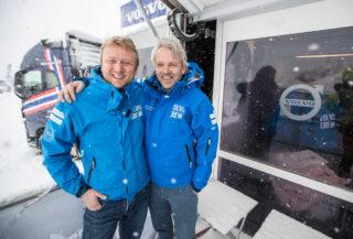 VOLVO-KAMERATENE: Waldemar André Christensen i Volvo Trucks t.v. og Gunnar Thorud i Volvo Maskin.
