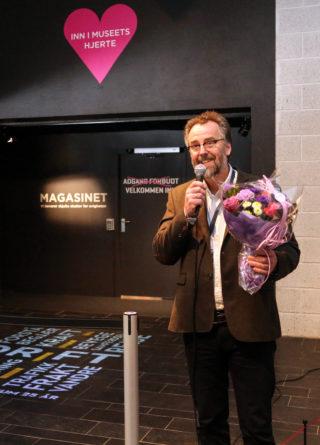 Direktøren for Norsk vegmuseum, Geir Stormbringer, sto for den offisielle åpningen av utstillingen. (Foto: Runar F. Daler).