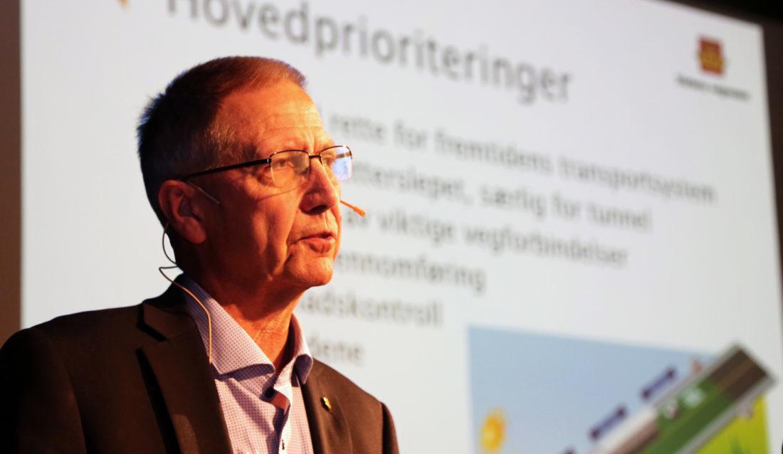 Veidirektør Terje Moe Gustavsen la fram Statens vegvesens handlingsprogram for perioden 2018-2023. (Foto: Runar F. Daler).