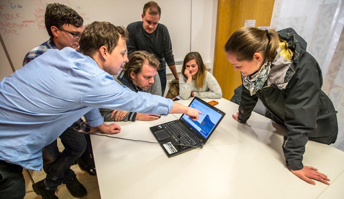 Ingeniørstudenter og lærere ved Høgskolen på Vestlandet, Førde