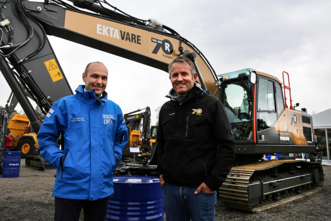 GODT SAMARBEID: Volvos Maskins markedssjef David Kristianslund og Risas konsernsjef Bjørn Risa. (Foto: Runar F. Daler).