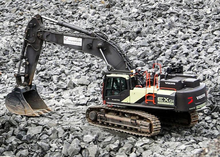Protoype EX1, gravemaskin med dobbelt kraftkilde og kabeltilkobling. (Foto: Runar F. Daler).