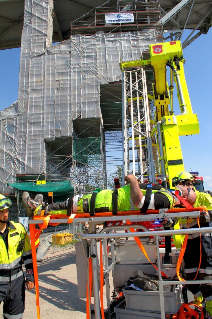 Hovedverneombud Ståle Stensland deltar på alle redningsøvelser i forbindelse med Consolvos prosjekter, slik som her fra Fredrikstadbrua i 2016. (Foto: Consolvo AS).