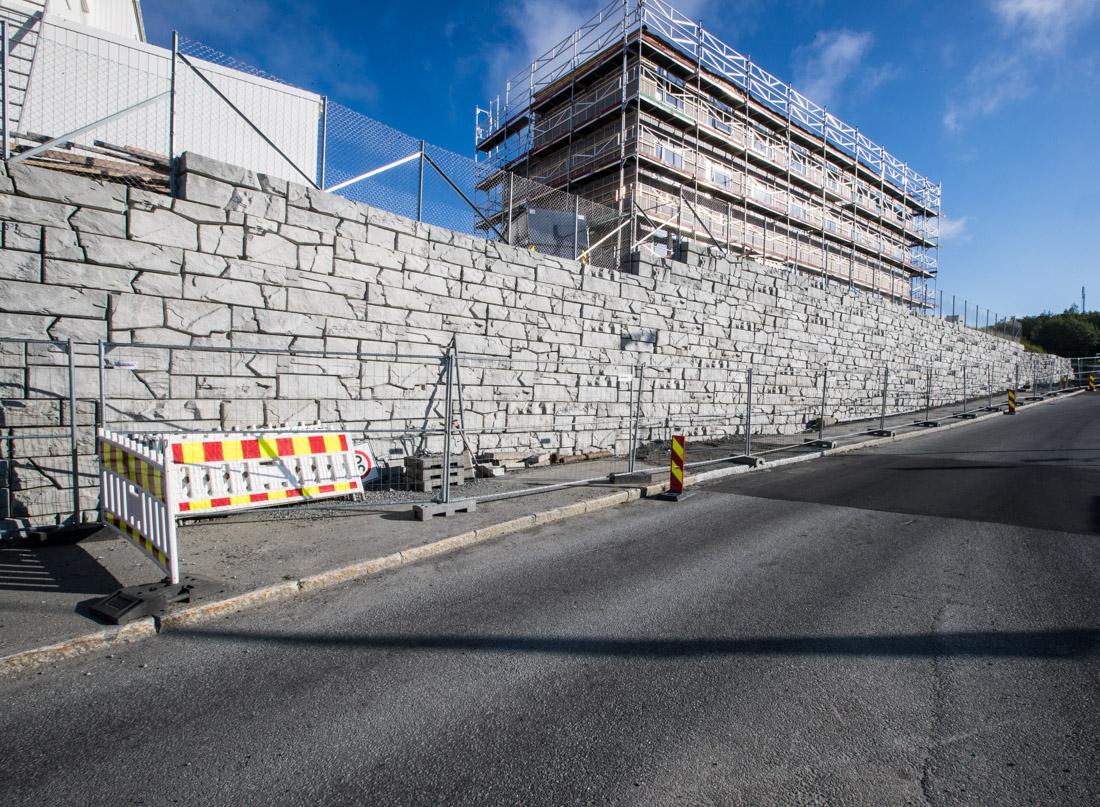 1000 kvadratmeter mur i Asak Vertiblock