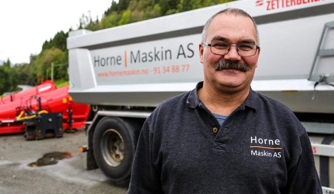 Som distriktsarbeidsgiver er Halvar Horne opptatt av å fange opp potensielle kandidater i distriktet og tilby dem lærlingplass. – Det passer ikke alle å reise inn til de store bedriftene i byene, sier Halvar. (Foto: Runar F. Daler).