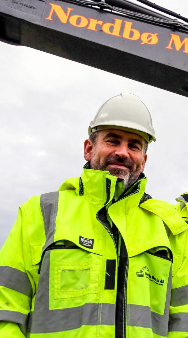 GRÜNDER: Martin Nordbø og hans to brødre startet med en liten 8-tonns gravemaskin i 1993. I dag er de en av Rogalands største maskinentreprenører med 105 ansatte. (Foto: Runar F. Daler).