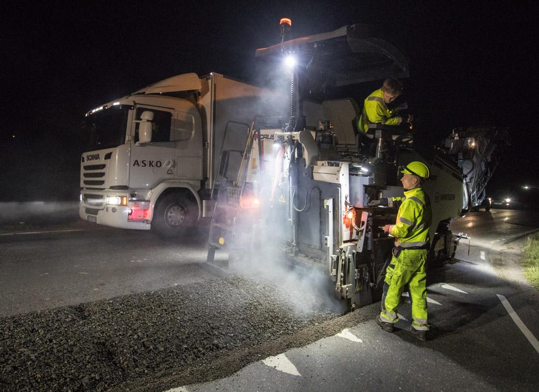 Freser asfalt i trafikk