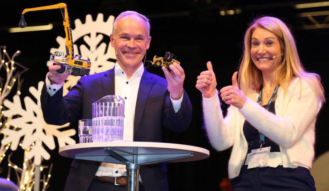 Også denne gang skal kunnskaps- og integreringsminister Jan Tore Sanner dele ut prisen for Årets lærebedrift. Her sammen med MEF-sjef Julie Brodtkorb i på Arctic Entrepreneur 2018. (Foto: Runar F. Daler).
