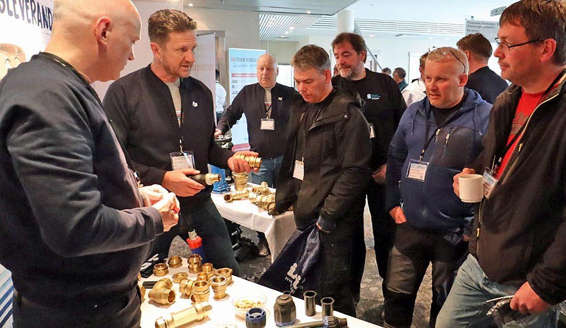 Jan Kirsebom demonstrerer Isiflo produkter i Tromsø.