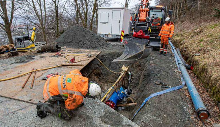 Anleggsrørlegger, arbeid på vannledning